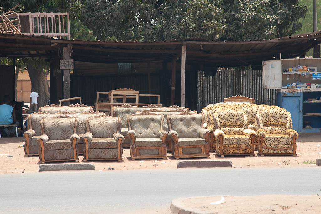 Tienda de muebles en las calles de Bamako.