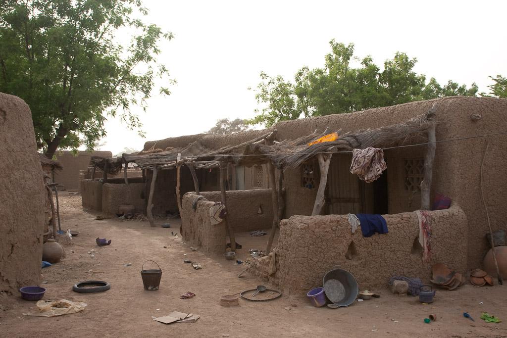 Casas de adobe de la aldea.