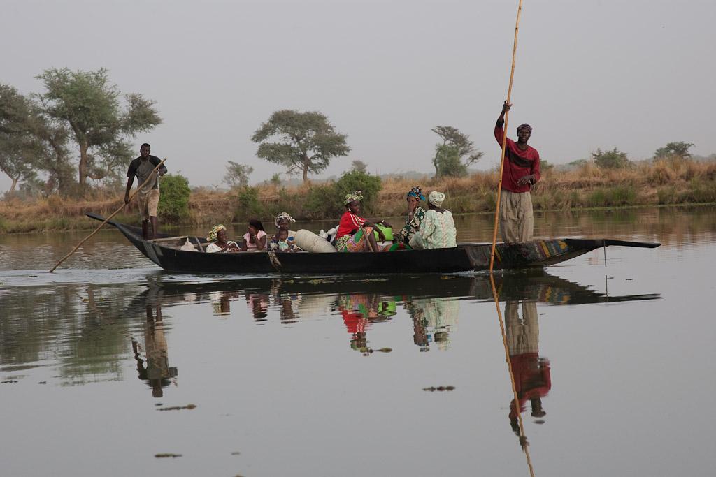 Pinasse por el Rio Niger en Segou.
