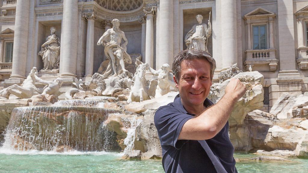 Fontana di trevi roma italia for Fontana islandia