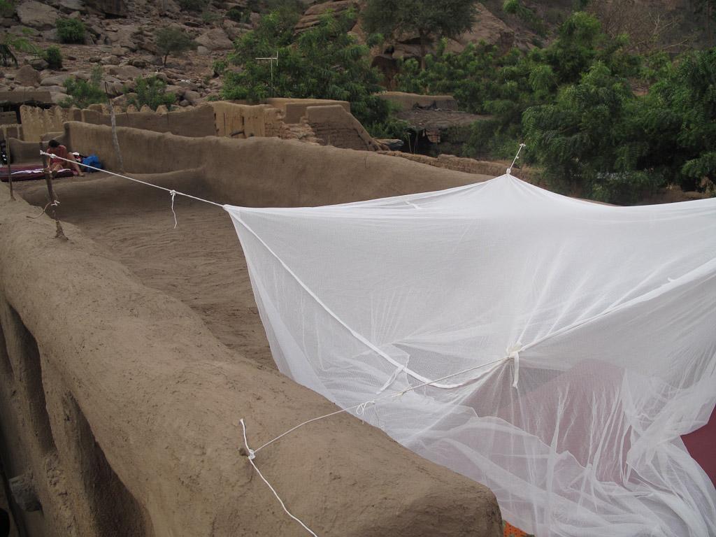 Tejado con colchón y mosquitera